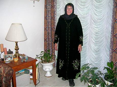 Cathie in her Abaya and head scarf